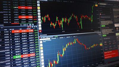 邱復生台開持股疑斷頭、退票300萬  股價持續下挫