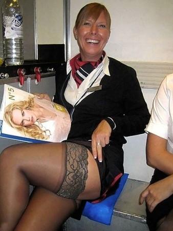 求解!為什麼我遇過的空姐都沒醬穿?