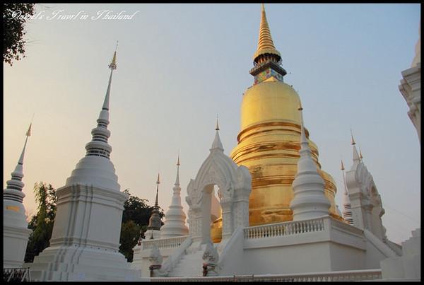 【泰國清邁】松達寺Wat Suan Dok 夕陽落日聞名的歷史佛寺