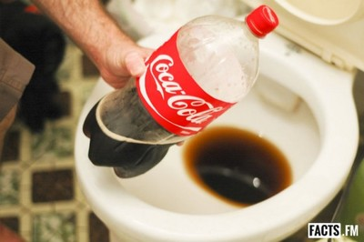 可口可樂工廠遭屎汙染!發言人澄清:這絕非飲料秘方