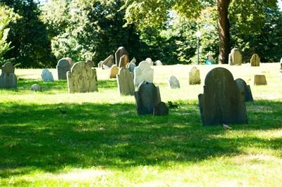 地底藏120副棺材 意外發現住家是墓地