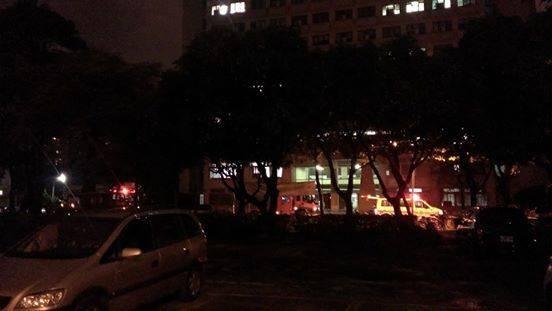 中興大學傳出墜樓意外,救護車到場搶救。(圖/民眾提供)