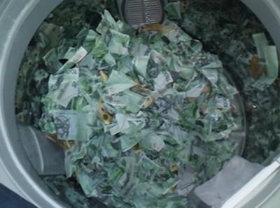 打開洗衣機曬衣服時,竟發現有43萬!