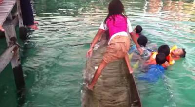 巴瑤族的榮耀,女孩光用腳就救起沈船