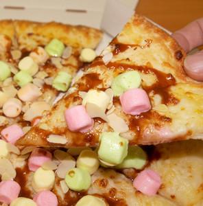 必勝客棉花糖披薩,加辣才好吃喔(抖