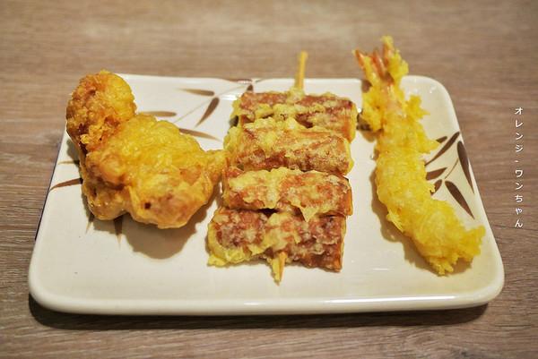 日連鎖烏龍麵沿襲B級美食風格 百元出頭吃到咖哩麵