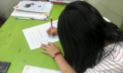 8歲姊姊給弟的信…不要貪心善良就好!