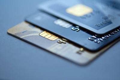 小資族最愛花旗這3張卡! 信用卡達人籲需特別注意哩程卡
