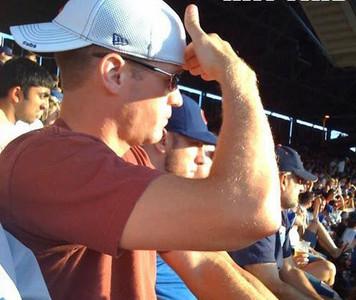 誰能告訴我,帽子和墨鏡不能遮陽嗎?