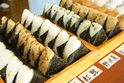 手作飯糰都不吃!日本人潔癖度逆天啦