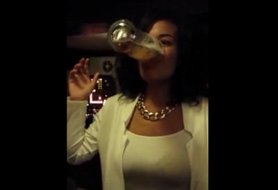 妹子去Bar喝酒,發現難以置信的天賦