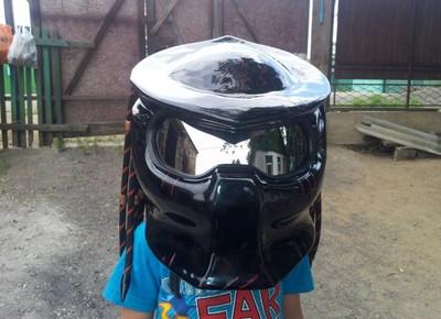 安全帽改裝終極戰士頭盔…先嚇嚇警察
