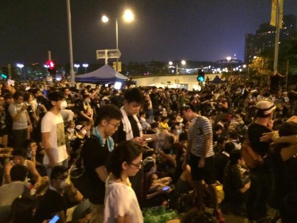 香港佔中示威者包圍特首辦公室。(圖/香港獨立媒體網授權使用)