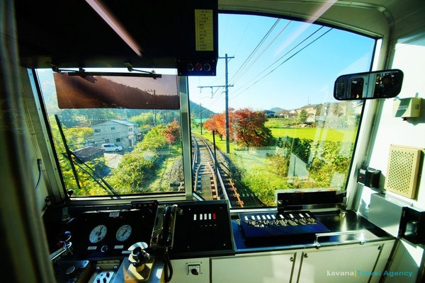 京都賞楓必訪景點 搭乘叡山電車體驗不一樣的紅葉美景