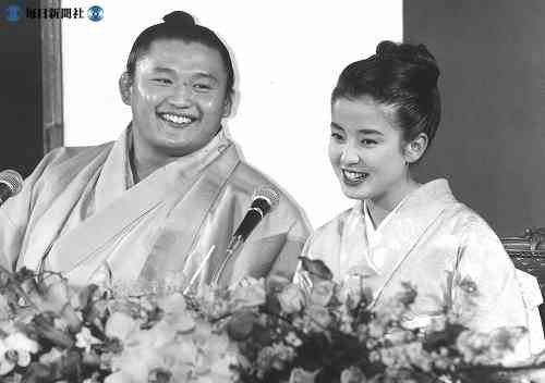 ▼宮澤理惠當年與貴乃花熱戀訂婚。(圖/翻攝自日網)