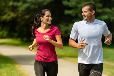 愛找人陪你運動減肥? 研究:找同性才會瘦、異性會...