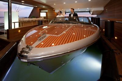 擁有移動船塢的遊艇,根本真版千陽號