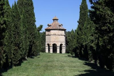 法國鴿子城堡,貴族都把錢燒在鴿舍上