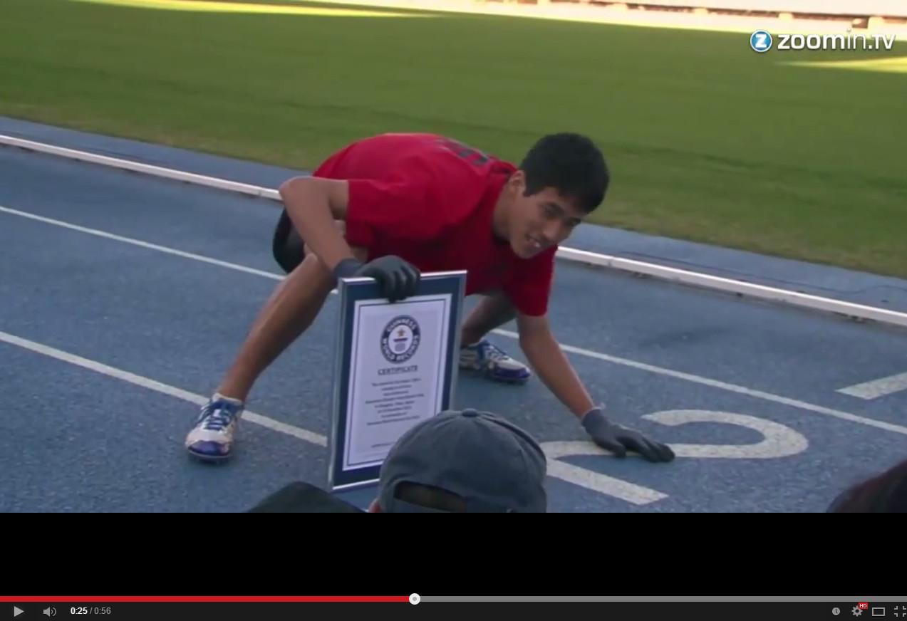 世界「爬行」最快男人 日本「必勝猿人」百米15.86秒