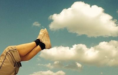 不懂創意雲端?藝術家用照片呈現☁️