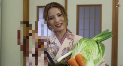 日本妹使出真本事褒湯,拿的卻是皮鞭