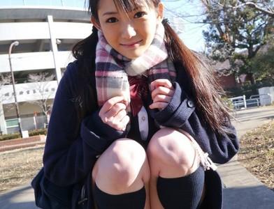 日本少女迷人蹲姿,沒露胖次不合格❤