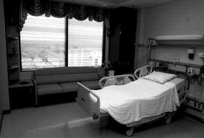 不願痛苦等死,重病病患從窗戶看見愛