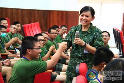 國軍晉任將官 陳育琳升女少將