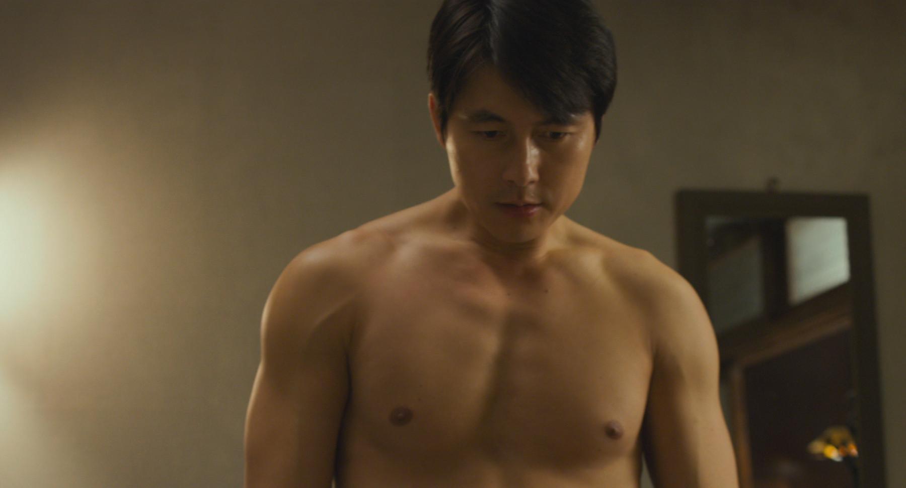 ▼鄭雨盛在片中展現健壯好身材。(圖/采昌)