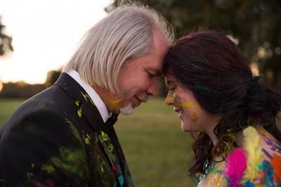 婚禮前新郎落跑,她選擇勇敢完成婚禮