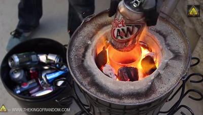 吹風機+木炭,自製迷你熔爐燒熔鋁罐