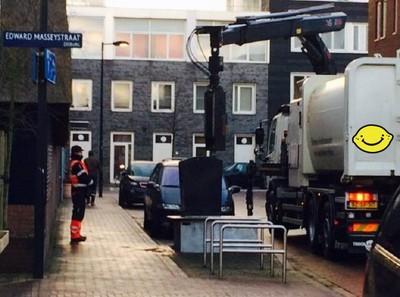 荷蘭清潔員真幸福!收垃圾按個鈕就好~