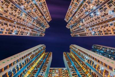 仰觀香港老舊摩天住宅,怎麼有未來感