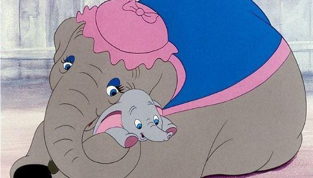 迪士尼著名動畫卡通小飛象即將拍成真人版,善待動物組織就寫了一封公開信給導演提姆波頓,希望他可以修給結局,不要讓小飛象跟媽媽繼續待在動物園。(圖/取自IMDB電影資料庫)